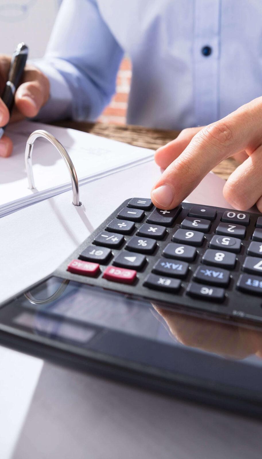 https://kaufmanfisch.com/wp-content/uploads/2020/10/calculator-new-scaled.jpg